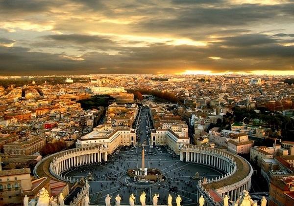 Praça de São Pedro (Vaticano) Berço da Igreja