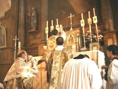 Santa Missa!