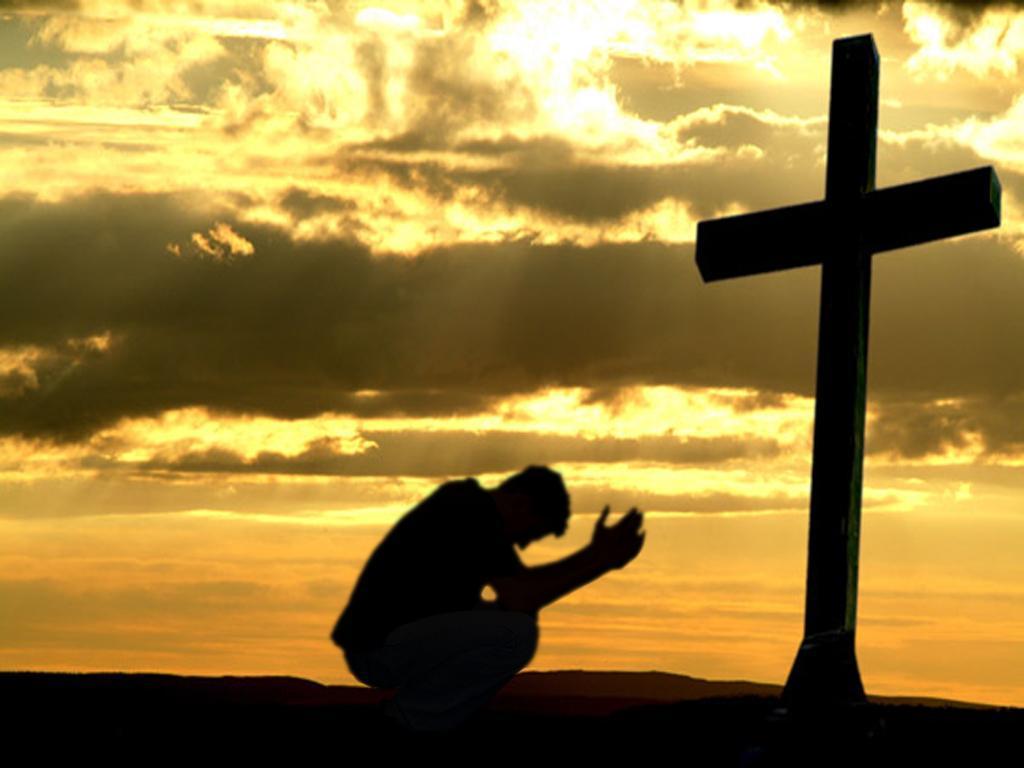 Devemos sempre rezar e pedir as graças de Deus.