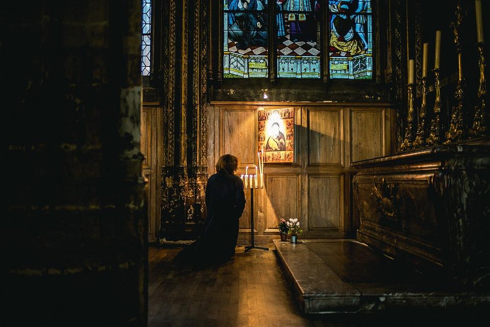 A oração é uma das maneiras de se receber as indulgência