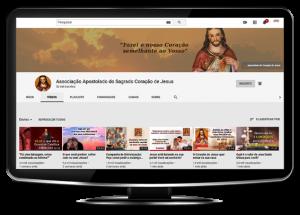 Monitor com a imagem do canal Sagrado Coração de Jesus no Youtube